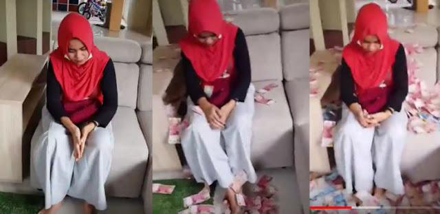 Viral! Suami Direbut, Sahabat 'Mandikan' Pelakor Berhijab Pakai 500 Juta, Lihat Videonya