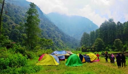 Wisata Alam Bumi Perkemahan Gunung Puntang