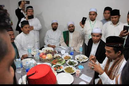 Useutad Abdul Somad Meukhanduri Sajan Ulama Dayah