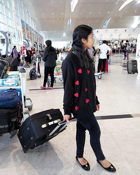 8 Jurus Jitu Mengusir Stres Saat Pesawat Delay