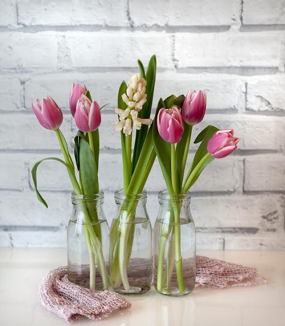 wazon na tulipany ze szkła