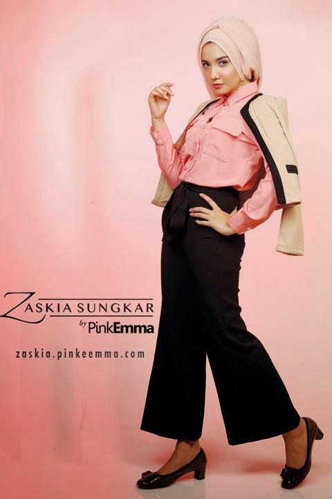 Model Baju Muslim Warna Pink dan Hitam