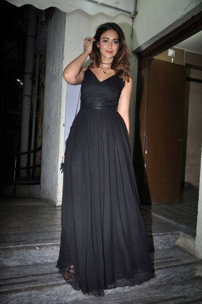 Ileana In Black Gown At Mubaraka Movie Special Screening