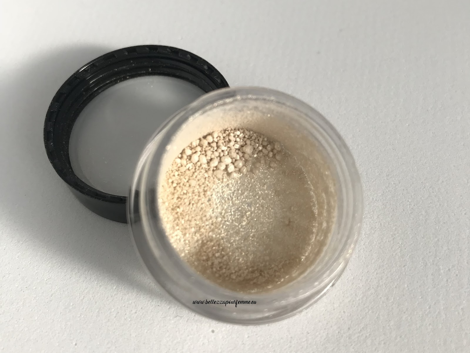 swatch vanilla mac