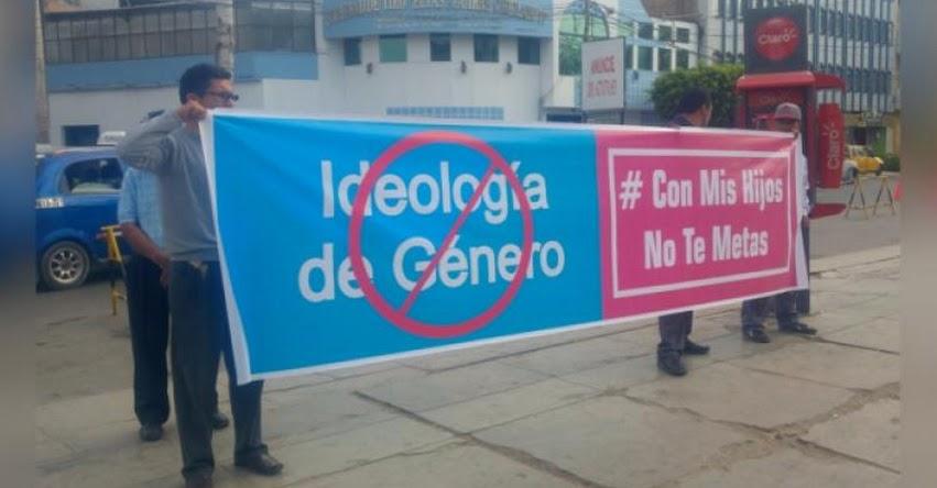 Padres de familia protestaron contra «ideología de género» en Chiclayo
