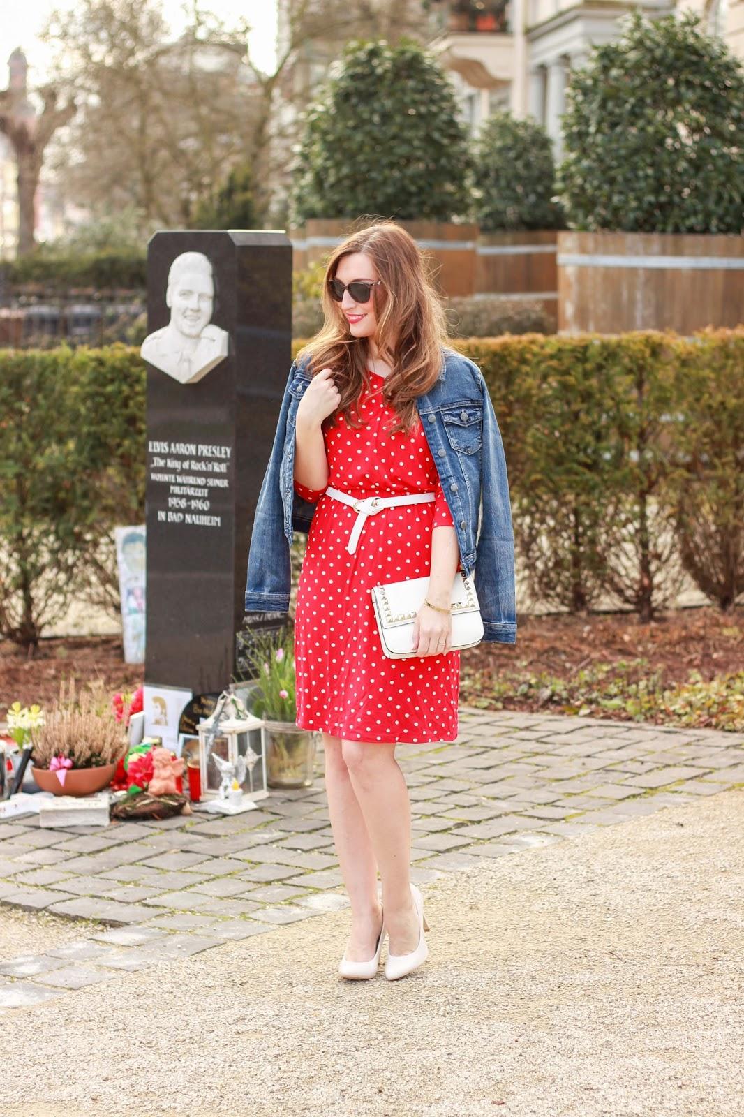 Deutsche Fashionblogger - Fashionblog - German Fashionblogger - Rotes Pünktchenkleid - Pünktchenkleid