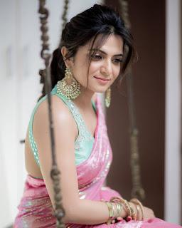 Anchor DD Divyadarshini Glam Pink Saree Photoshoot
