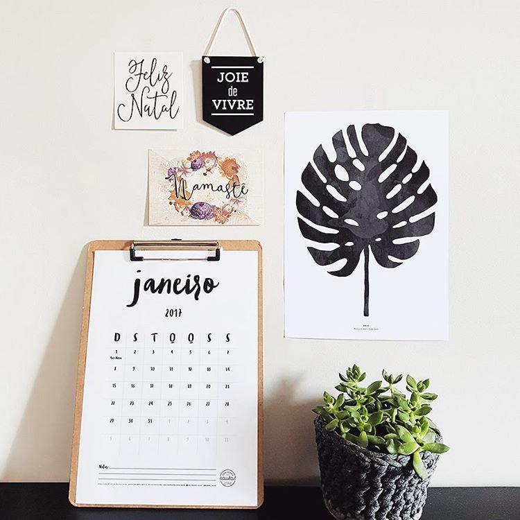 Minimal printable calendar 2017