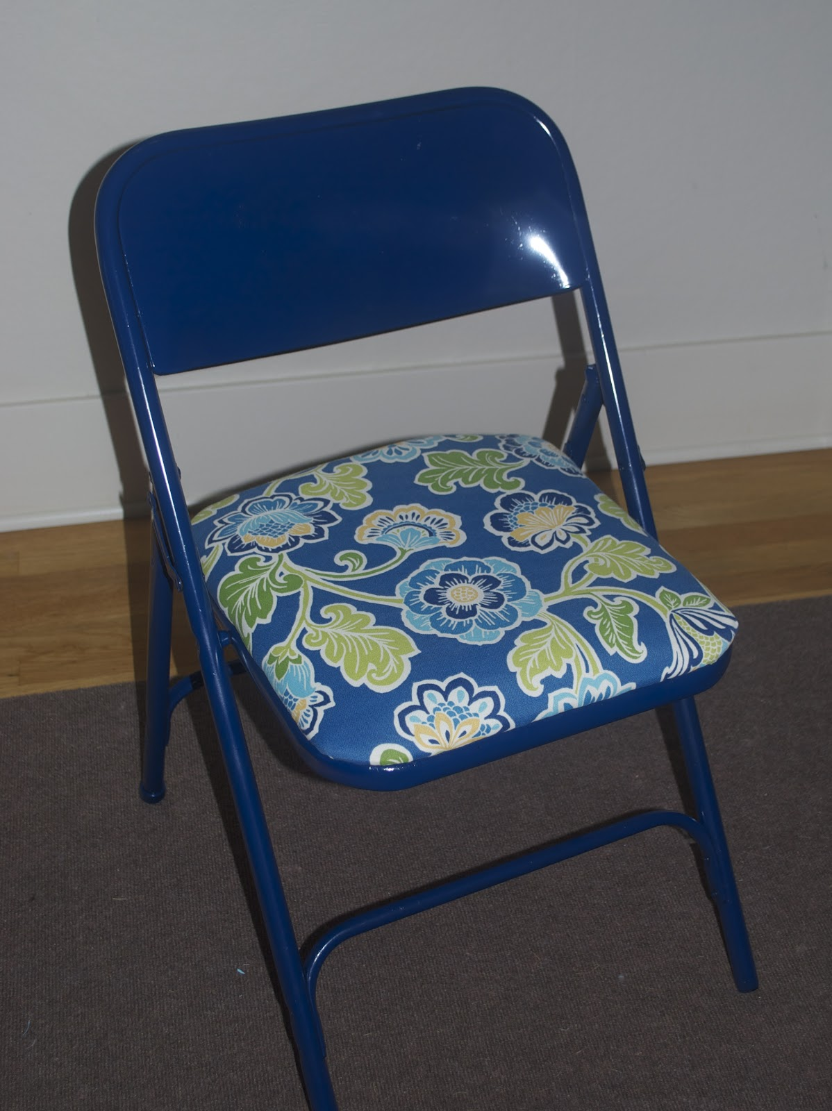 Folding Chair Upcycle Bedroom Lounge Chairs Target Sewinmachine Metal Foling Makeover