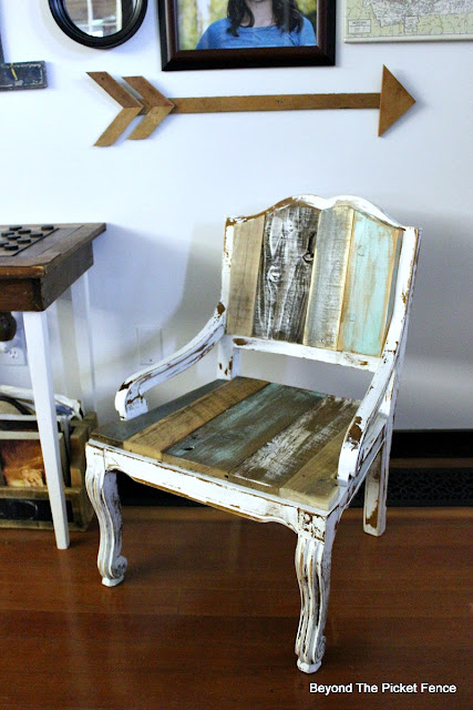 how to upcycle am old chair, salvaged wood, reclaimed wood, barnwood, shabby, chippy, farmhouse, https://goo.gl/FtTkry