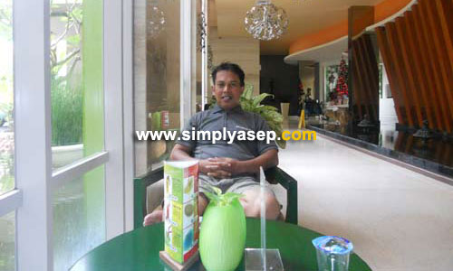 Its me on July 12nd, 2012, when I had an opportunity to stay at All Seasons in Kuta. A wonderful experiences I have had from this awesome hotel so far.  Photo Asep Haryono