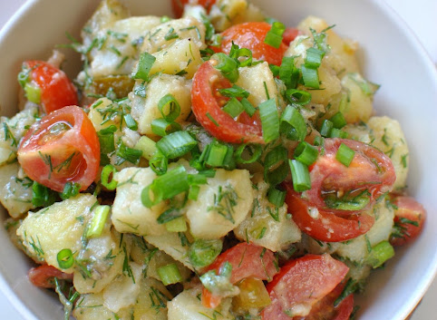 Sałatka ziemniaczana - idealna do grilla lub na piknik