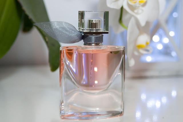 Oryginalny La Vie Est Belle butelka