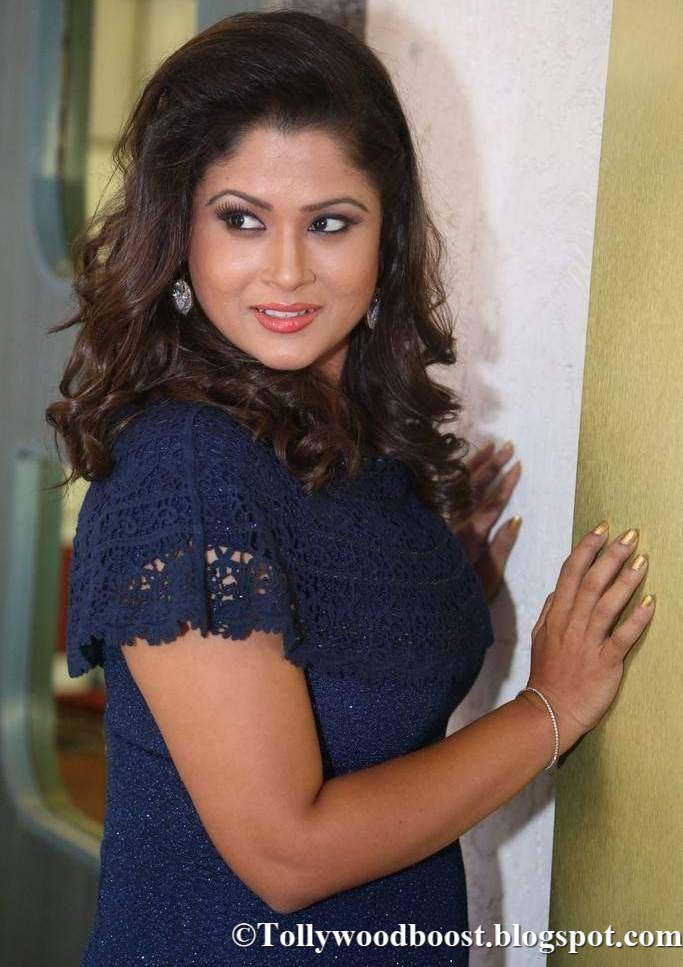 Shilpa Chakravarthy Stills At Telugu Movie Pre Release Function