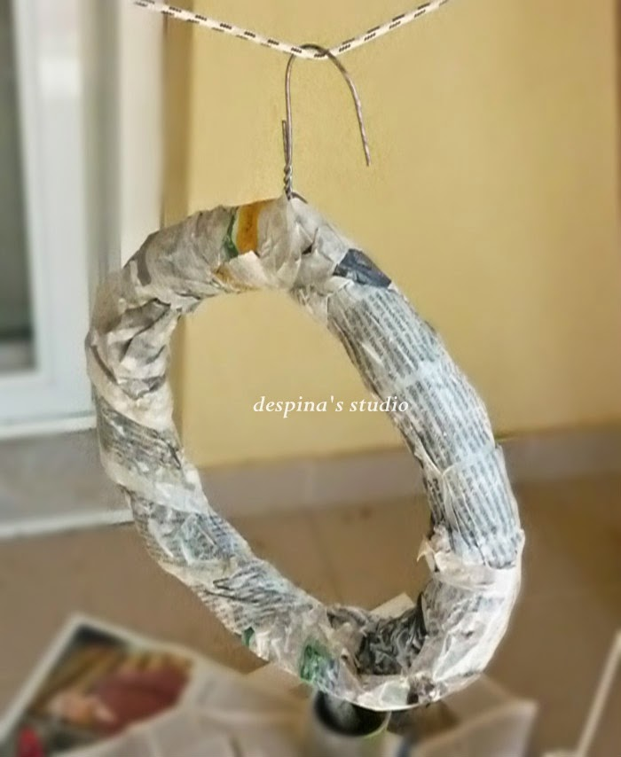 DIY-wreath-tutorial-from-upcycle-materials