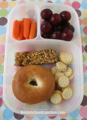 Easy cream cheese bagel for lunch in Easylunchboxes