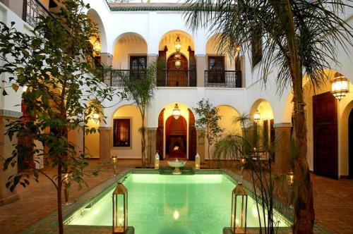 Terisme marocco riads in marrakech still the place to go - Riad medina marrakech avec piscine ...