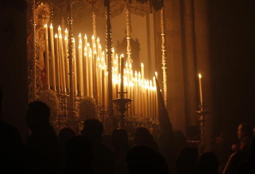 Traslado de Nuestra Señora Reina de los Mártires a  la Basílica Menor de San Pedro hoy en Córdoba