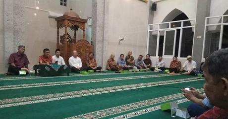 Gubernur Irwan Bermusyawarah dengan Mahasiswa Minang Terkait Rencana Renovasi Masjid dan Asrama