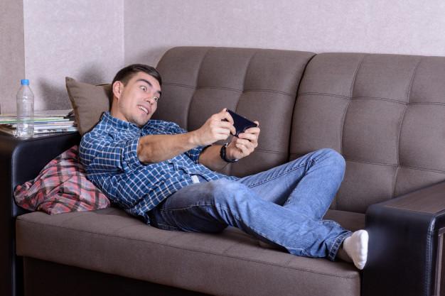 suami kecanduan game online