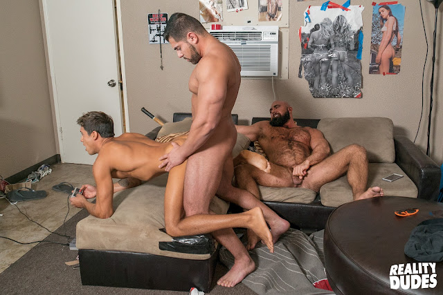 DD - Playing Games - Titus | Damien S | Steven Roman