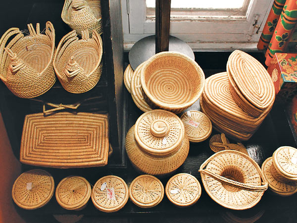 Buying Handicraft items over the web