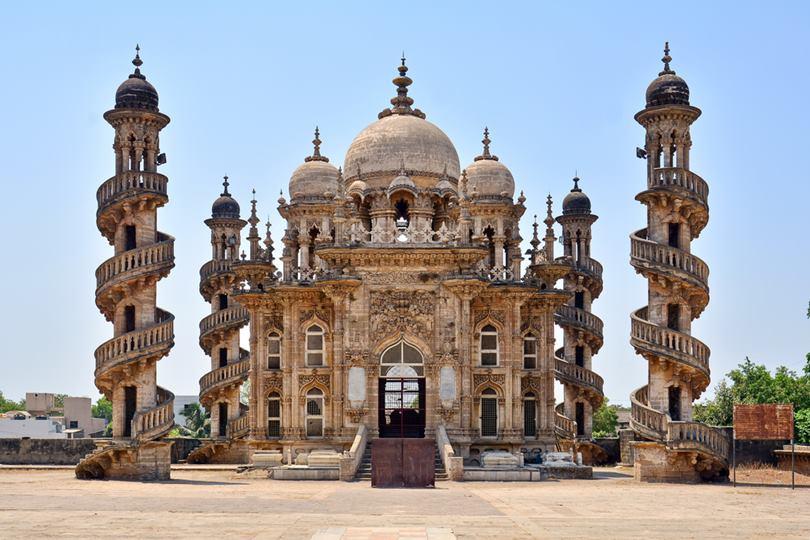 mahabat maqbara, tomb of bahauddin vazir, bahauddin junagadh history, maqbara, bahauddin junagadh history junagadh, mahabat khan ii, tomb of bahauddin vazir, tomb of bahar-ud-din bhar, Mausoleum of Bahaduddinbhai Hasainbhai,
