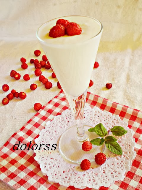 cremoso de piña y fresas