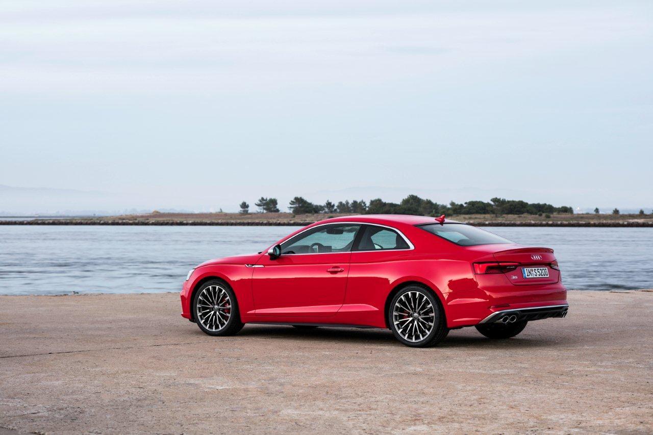 """Νέο Audi A5 Coupé και Sportback Νέο Audi A5 Coupé και Sportback: Εντυπωσιακή σπορ έκδοση S5, με 354 ίππους και 500 Nm, 0-100 σε 4,7"""""""