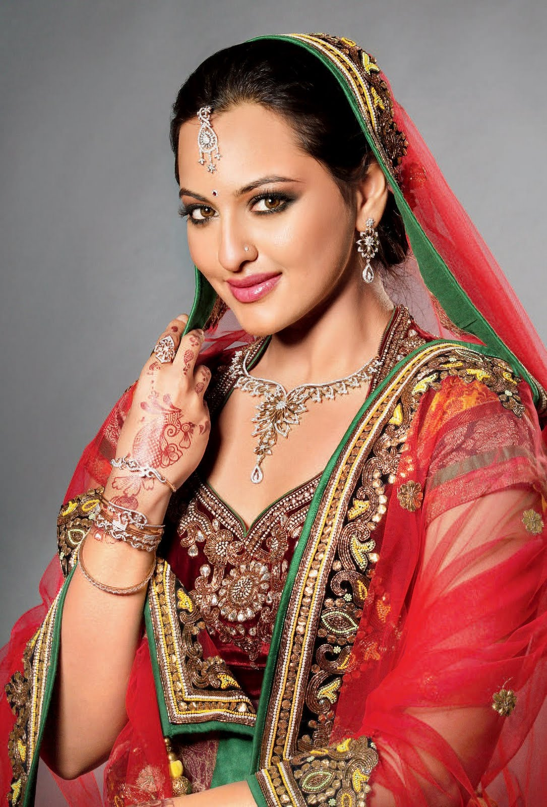 Simply Touch Sonakshi Sinha Sexy Pictures-7929