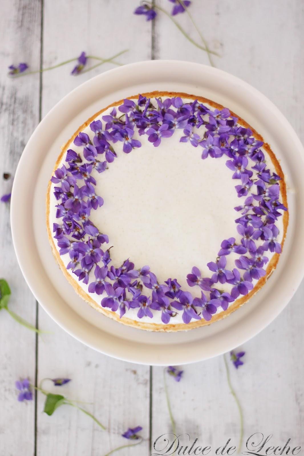 Fialkovo medový cheesecake
