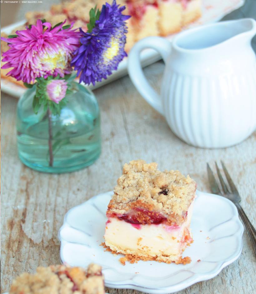 Pflaumenkuchen mit Puddingcreme und Zimtstreuseln | whatinaloves.com