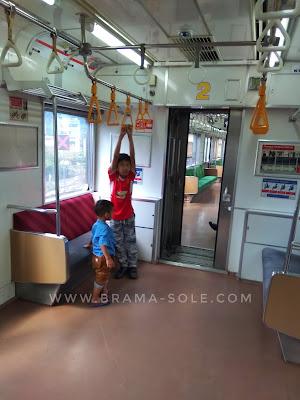 commuter line saat idulfitri