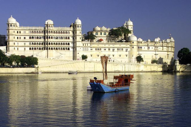 Natural lake view hotel Udaipur