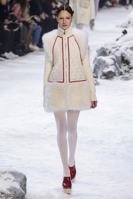 Moncler Gamme Rouge RTW Fall-Winter 2016-2017 {Cool Chic Style Fashion}