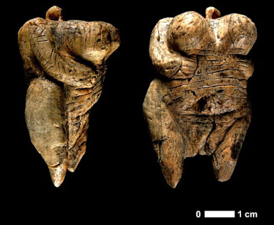 Fragments of new female figurine found at Hohle Fels