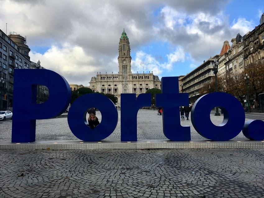 Praça dos Aliados, Porto, Portugal