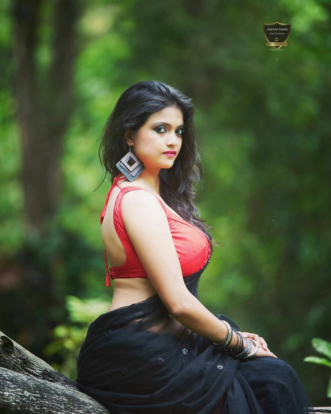 Sexy Indian Lady In Saree