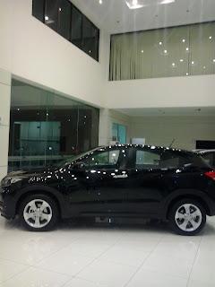 Honda Mobil HR-V Berwarna Hitam Terdiri dari berbagai type , S, E, Prestige, Mugen