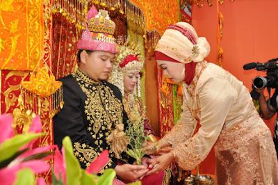 Orang Aceh dikenal Dengan Tukang Kawin?