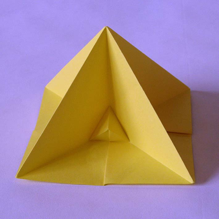 Origami Piramide prima - First pyramid by Francesco Guarnieri