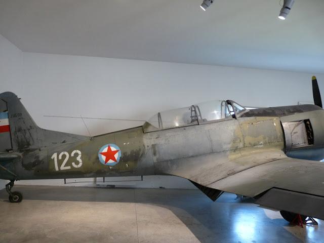 Avión en el museo de Historia Militar de Eslovenia