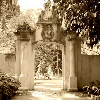Ruínas do Portal da Fábrica de Pólvora, Jardim Botânico do Rio de Janeiro