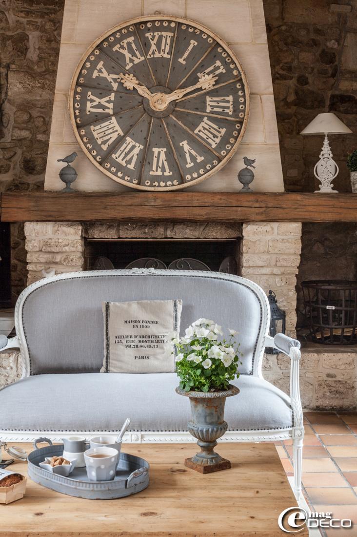 pendule murale maison du monde. Black Bedroom Furniture Sets. Home Design Ideas