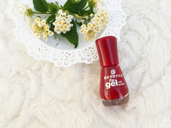 Essence gel nail polish - Do you speak love?