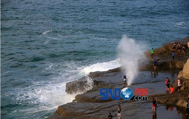 Panorama Pariwisata Pantai Klayar Pacitan