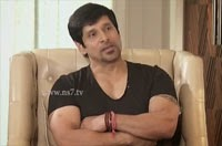 Interview with Actor Vikram – Varaverpparai 15-01-2015