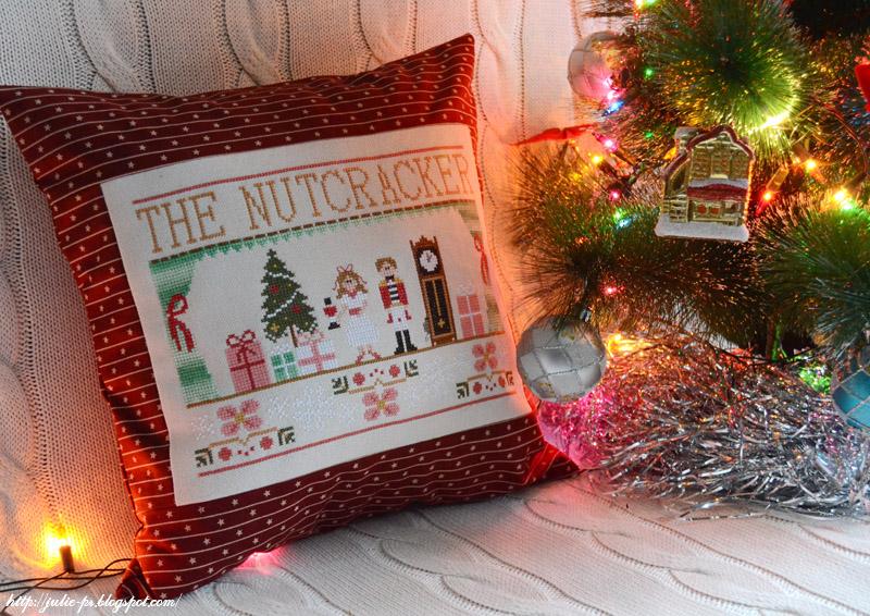 Щелкунчик, The Nutcracker, CCN, вышивка, вышивка крестом, подушка, новогодняя подушка, вышивка щелкунчик
