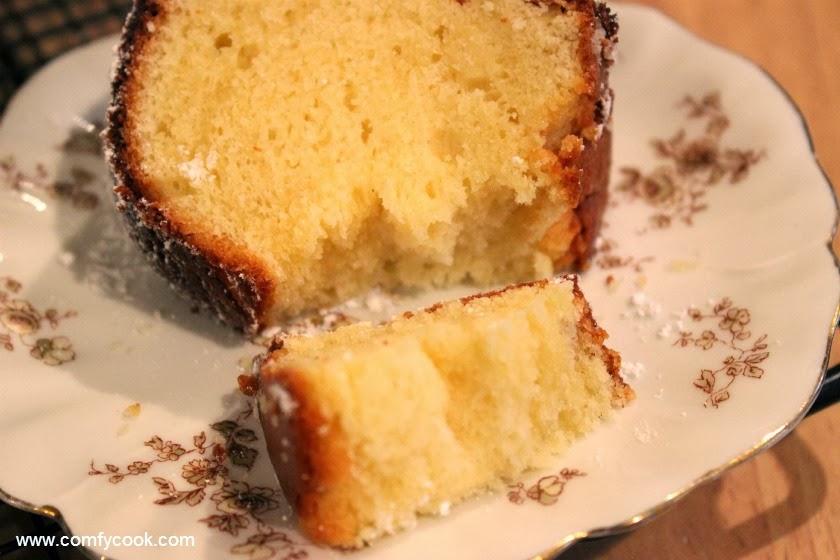 Light And Fluff Vanilla Cakes Recipe