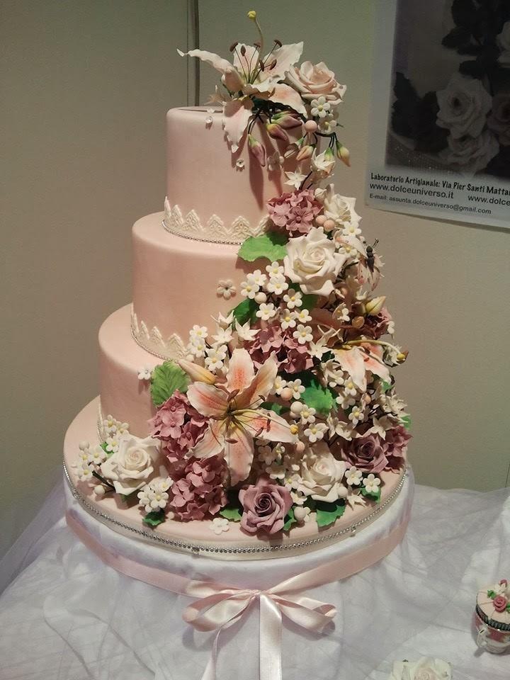 Dolce Universo realizza torte artistiche di compleanno e